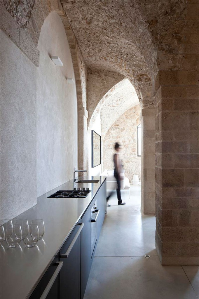 HomeLifeStyle-Magazine-Pitsou-Kedem-Architect-cocina