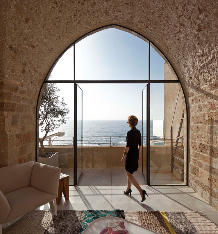 HomeLifeStyle-Magazine-Pitsou-Kedem-Architect-ventanal
