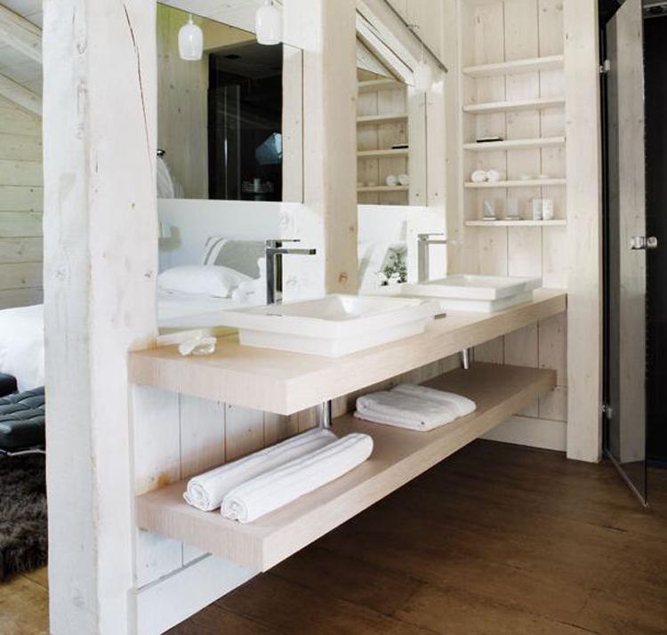 Homelifestyle-Magazine-cabaña-en-los-alpes-baño-Belen-Imaz
