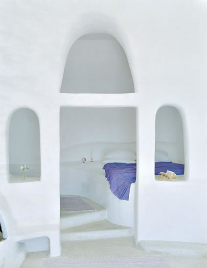HomeLifeStyle-Hotel-Perivolas-Grece-Pool-bed-room