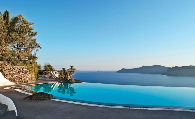 HomeLifeStyle-Hotel-Perivolas-Grece-Pool-relax-gallery