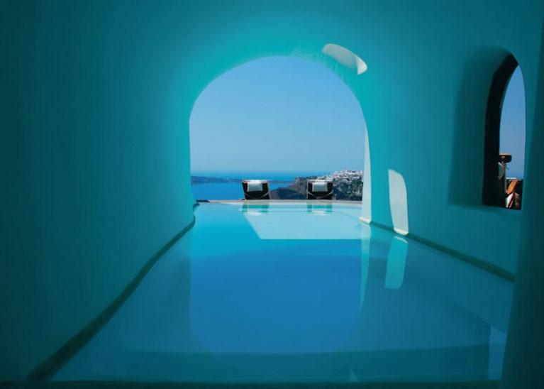 HomeLifeStyle-Hotel-Perivolas-Grece-Pool-view