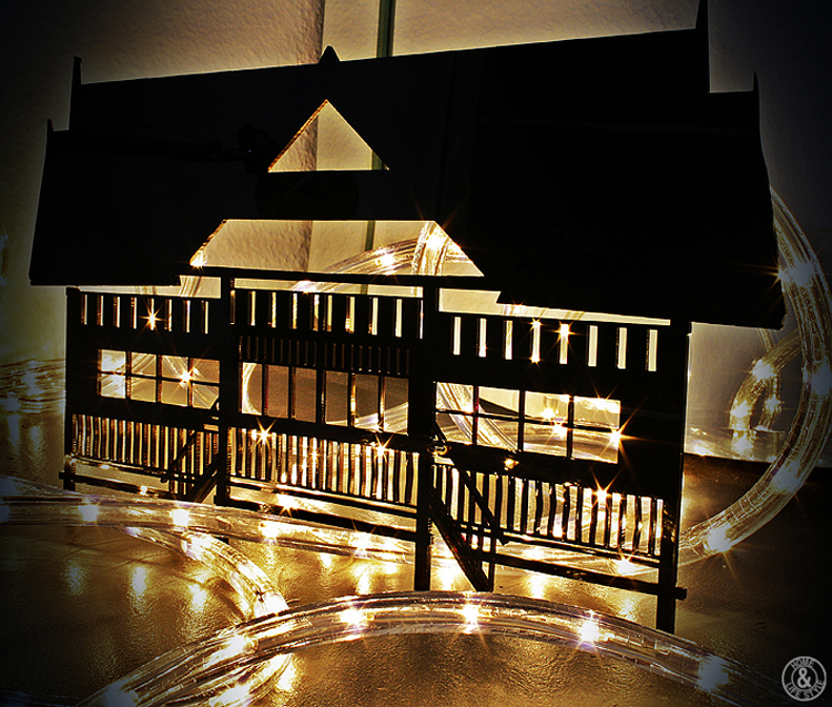 Homelifestyle-magazine-iluminación-navideña-casita