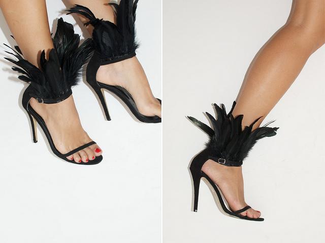 Sandalias de plumas