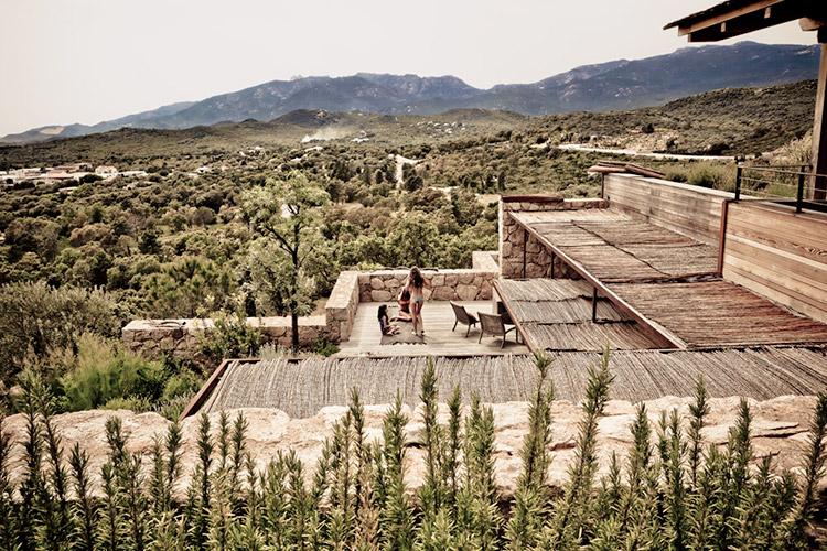 Homelifestyle-Magazine-Arquitectura-Mediterránea-exterior
