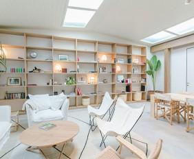 Homelifestyle-Magazine-Hotel-Margot-House-Barcelona-white-salon-