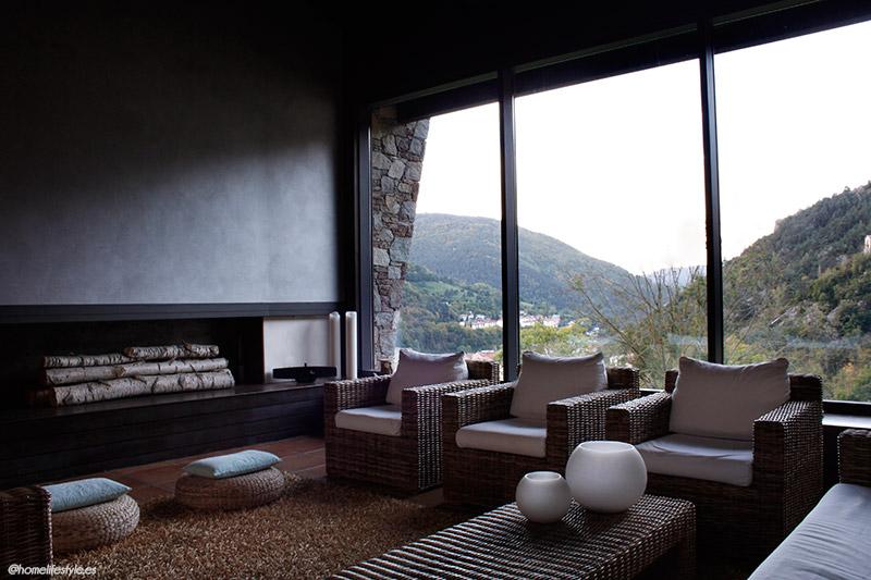 Homelifestyle-Magazine-La-Vall-de-Ribes-cazadores-de-setas-Hotel-Resguard-dels-vents-salon