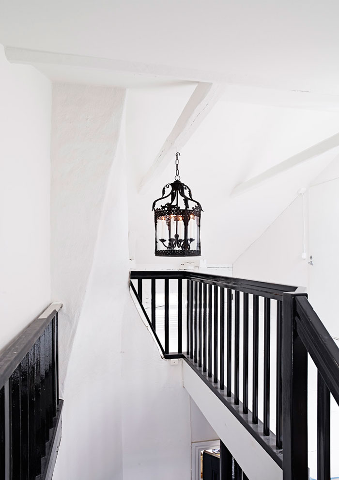 Homelifestyle-Magazine-Novedades-Olsson-&-Jensen-stairs