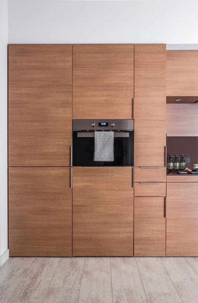 Homelifestyle-Magazine-Nuevo-Apartamento-adaptado-Eric-Vökel-cocina-horno