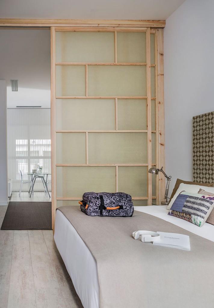 Homelifestyle-Magazine-Nuevo-Apartamento-adaptado-Eric-Vökel-dormitorio-contra