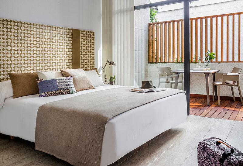 Homelifestyle-Magazine-Nuevo-Apartamento-adaptado-Eric-Vökel-dormitorio