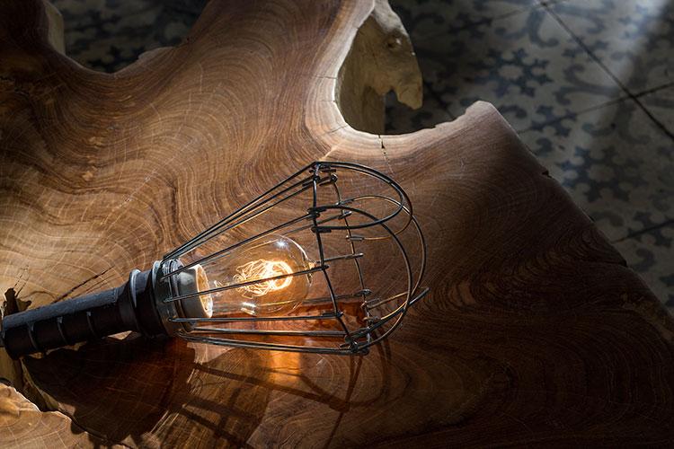 HomeLifeStyle-Magazine-Loft-Botanic-light-table