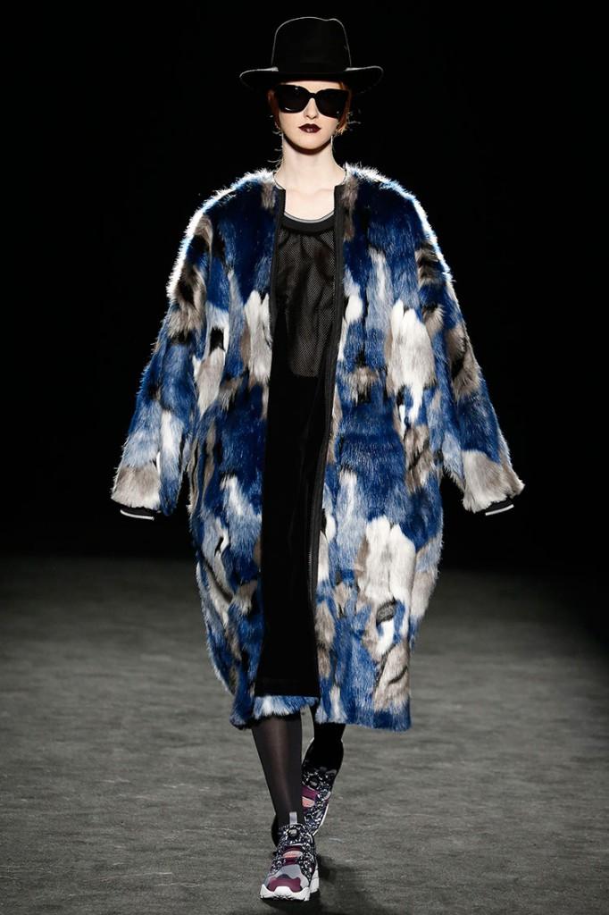 Homelifestyle-Magazine-080-Barcelona-Fashion-Krizia-Robustella