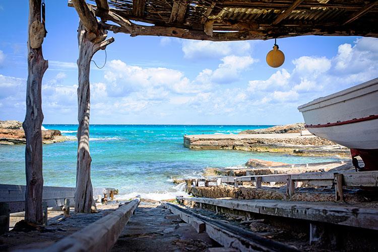 HomeLifeStyle-Magazine-Formentera-en-primavera-playa