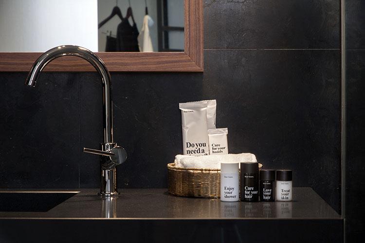 HomeLifeStyle-Magazine-Dear-Hotel-lavabo