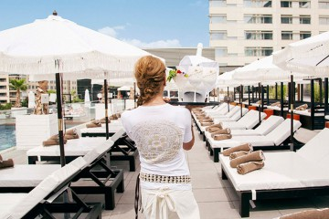 Purobeach-Barcelona-Hilton-Diagonal-Mar-BCN-HomeLifeStyle-Magazine-Camarera