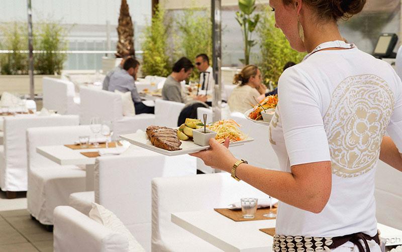 Purobeach-Barcelona-Hilton-Diagonal-Mar-BCN-HomeLifeStyle-Magazine-Camarera-Service