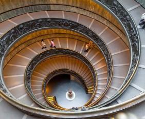 escaleras-museos-del-vaticano-homelifestyle-magazine