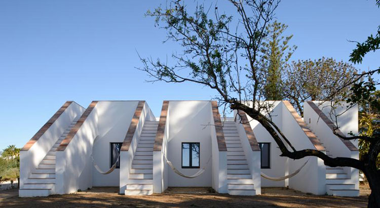 casa-modesta-exterior-stairs-homelifestyle-magazine