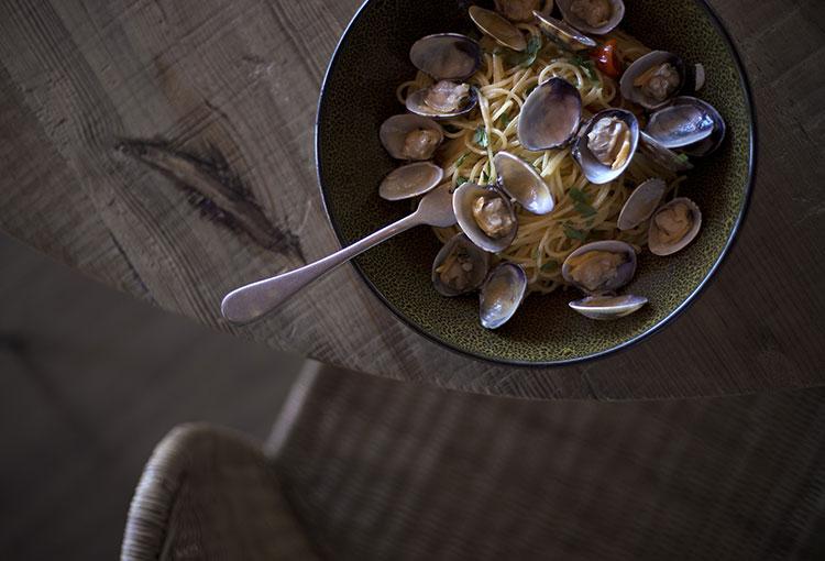 restaurant-jani-pasta-almejas-homelifestyle-magazine-by-maria-algara-regas