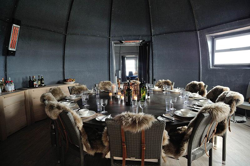 white-desert-dinningroom