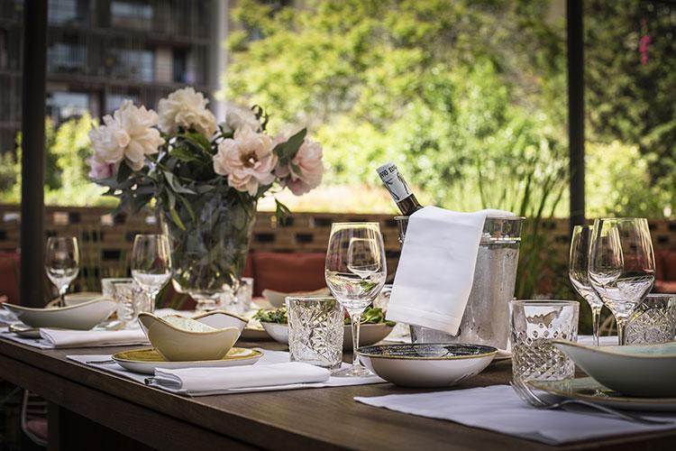 Patio-la-terraza-del-Hotel-Alexandra-Restaurante-Solomillo-Barcelona-