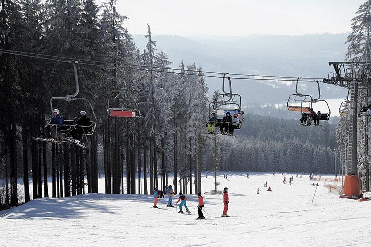 Vacaciones-de-invierno-esquiada-snow