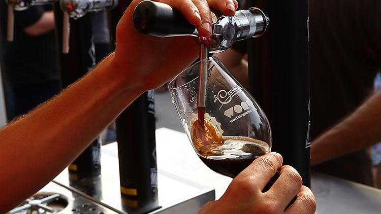 cerveza-artesana-surtidor-La-Fira-del-Poblenou-Homelifestyle-Magazine