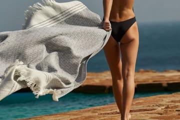 toallas-de-playa-hilo-textura-interiors-homelifestyle-magazine