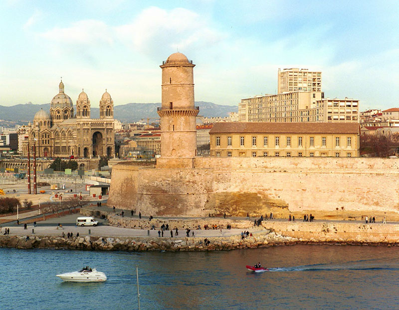 La-Provenza-puerto-Marsella-HomeLifeStyle-Magazine
