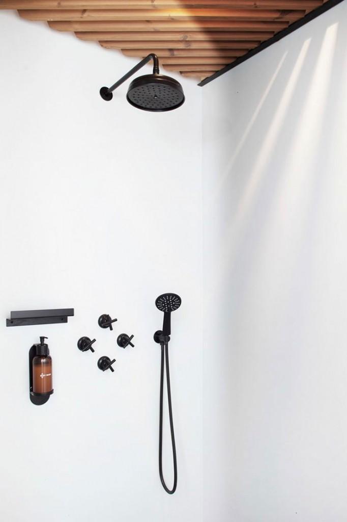 Long-Story-Short-Hostel-Bath-detail-Homelifestyle-Magazine