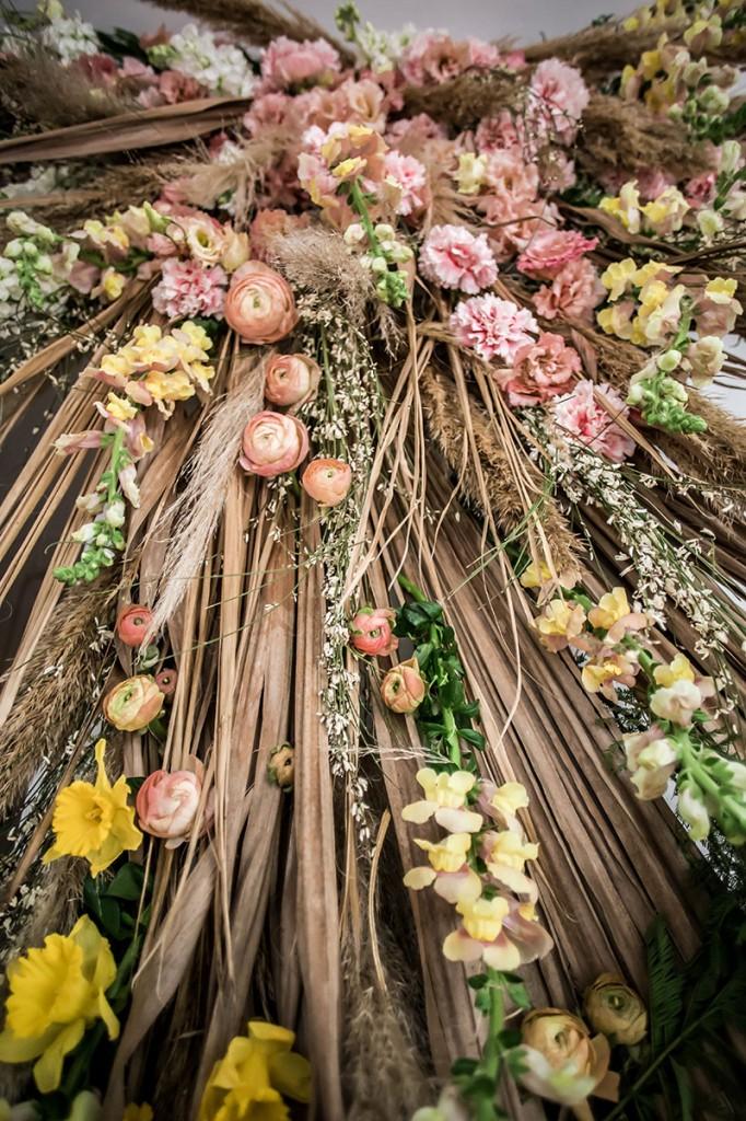 Instalación-floral-en-gran-formato-violeta-gladstone©MariaAlgaraRegas-10