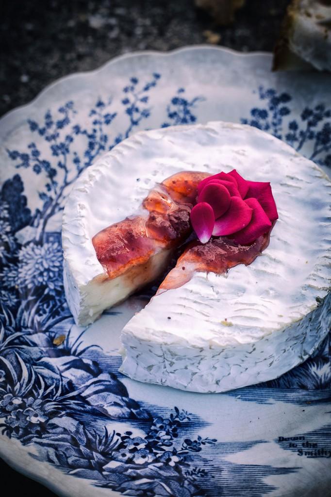 Mermelada-de-petalos-de-rosas-camembert©MariaAlgaraPhotography