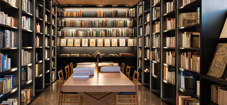 biblioteca-Museo-Yves-saint-Laurent-en-Marrakech
