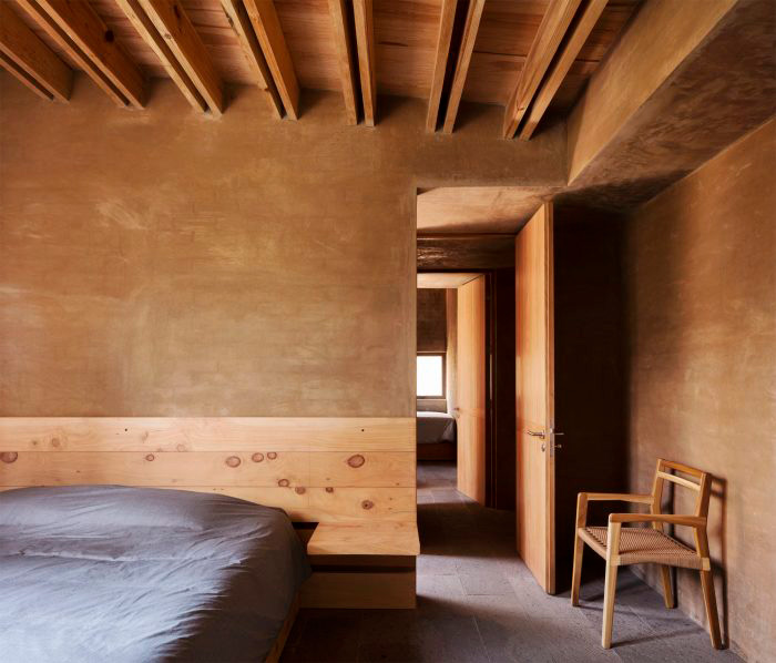entrepinos-housing-arquitectura-minimalista-more-with-less-5-700x598