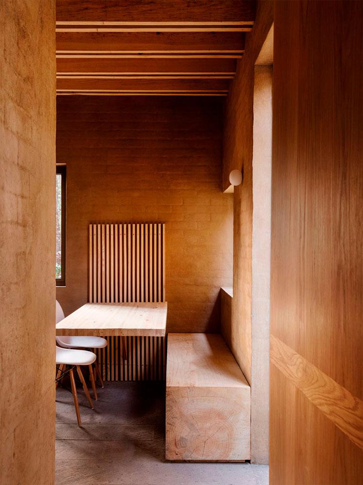 entrepinos-housing-dinningroom