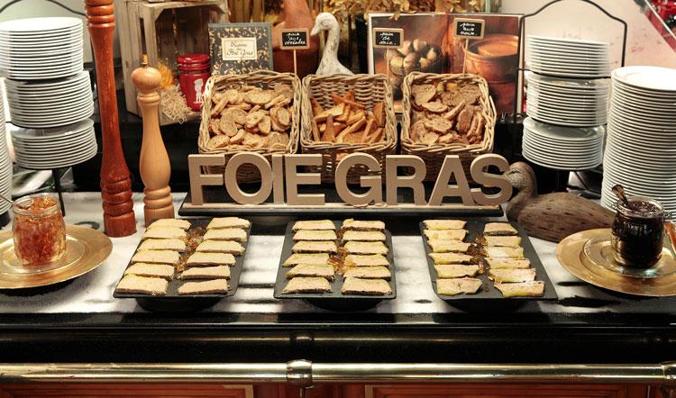 Fin-de-semana-Narbona-HomeLifeStyle-Magazine-Les-Grands-Buffets-foie-gras
