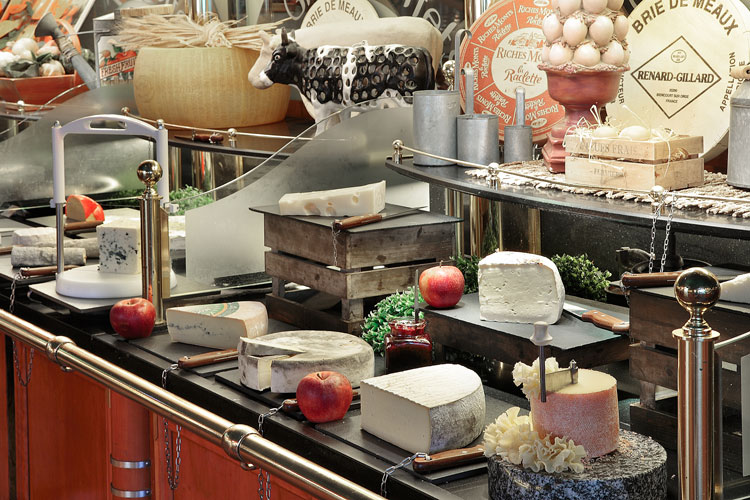 Fin-de-semana-Narbona-HomeLifeStyle-Magazine-Les-Grands-Buffets-fromages