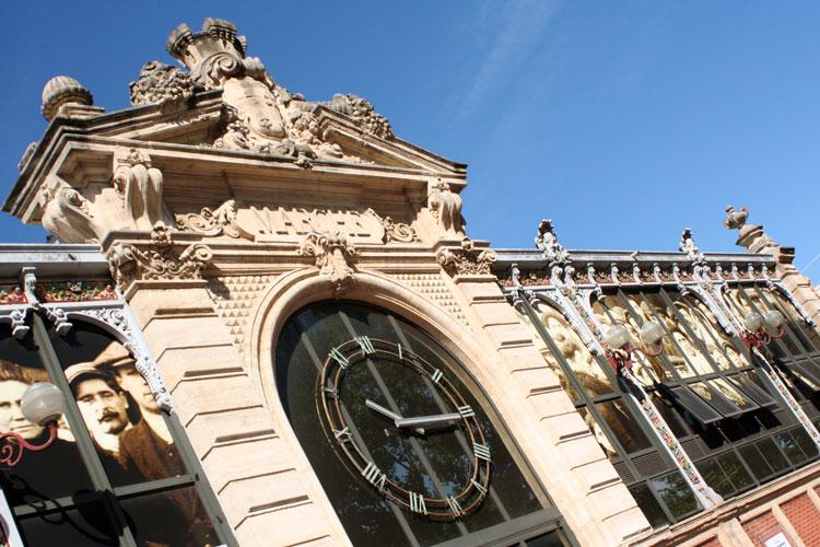 Fin-de-semana-Narbona-HomeLifeStyle-Magazine-Marché-les-Halles-©-Lisa-Debande