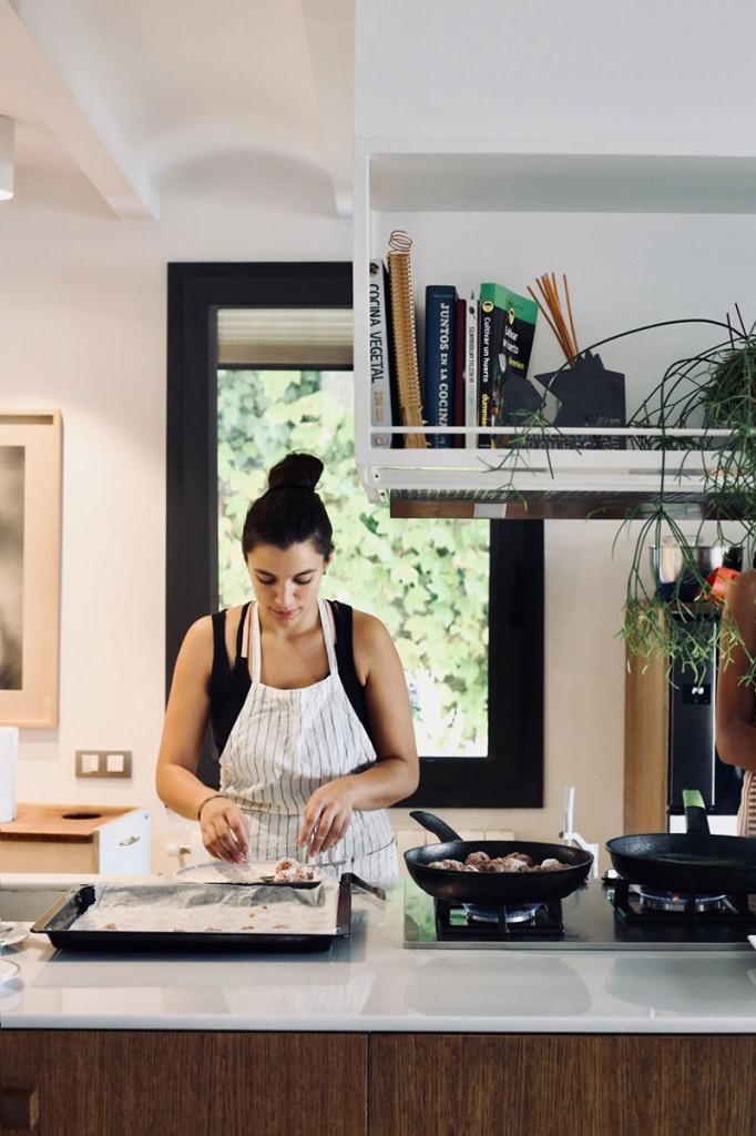 instalación-floral-gran-formato-kitchen-MariaAlgaraPhotography-desayuno