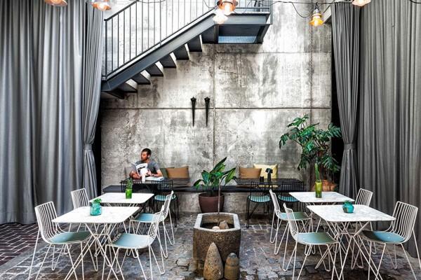 Hotel-Brummell-patio