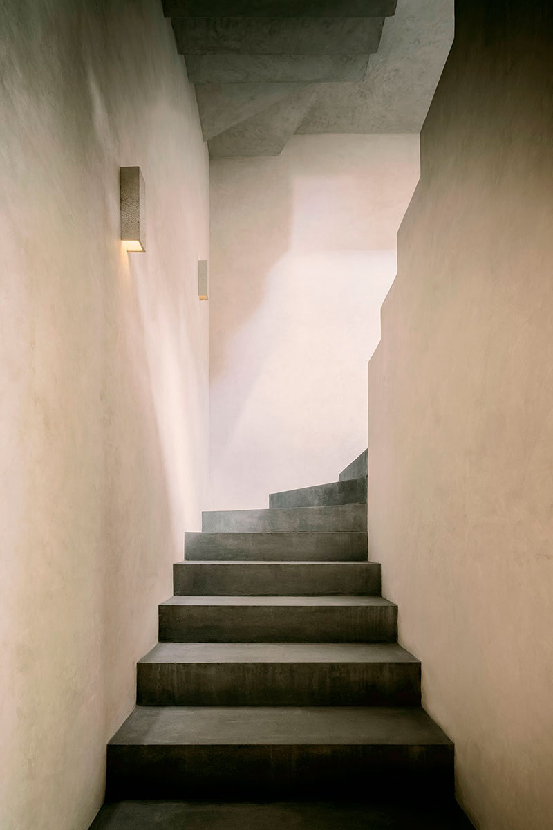 casa-aviv-stairs-homelifestyle